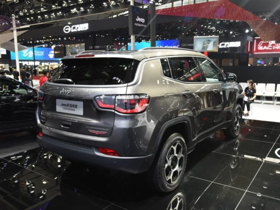 2021 Jeep Compass Trailhawk facelift rear angle