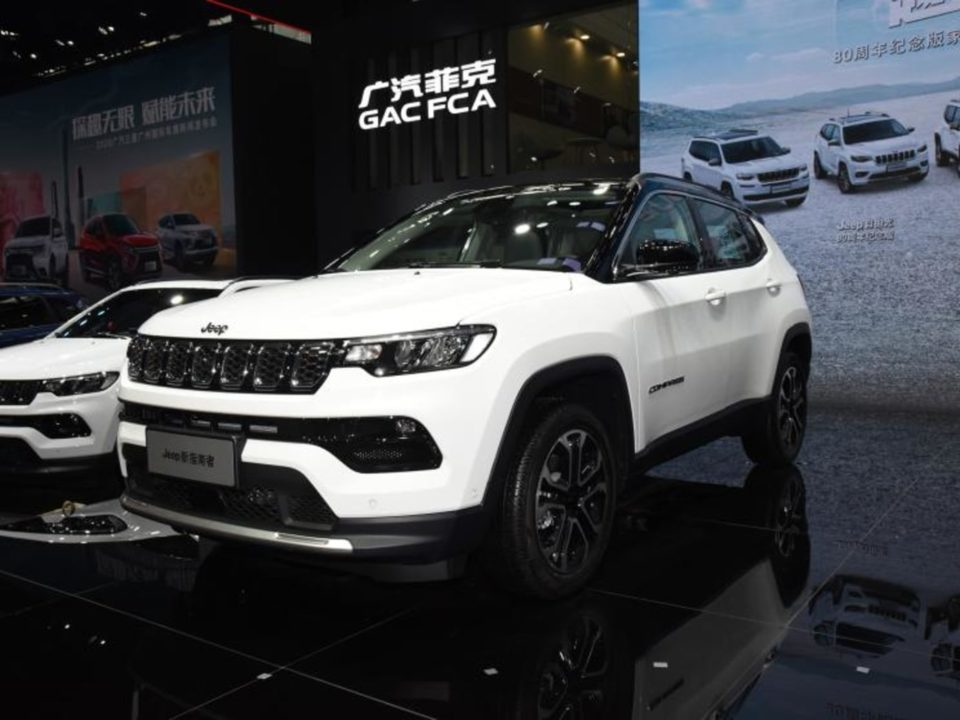2021 Jeep Compass facelift front angle
