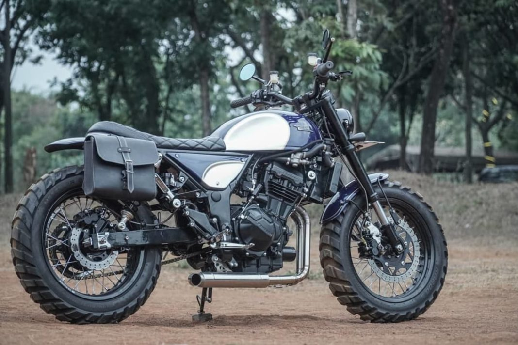 Kawasaki Ninja modified scrambler 0