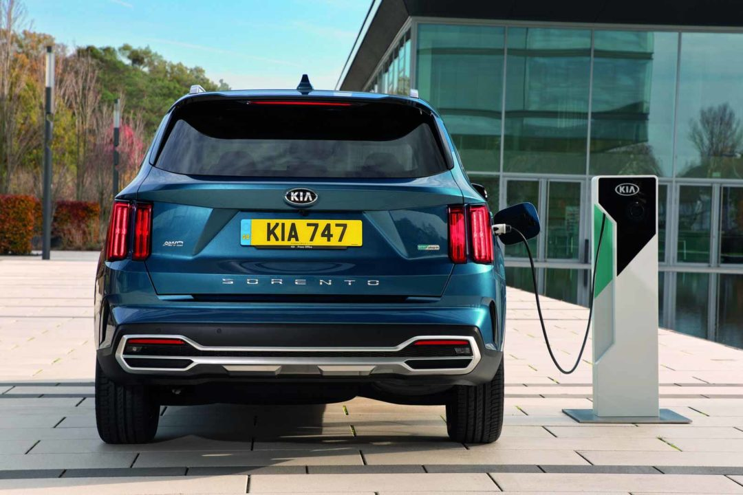 2021 Kia Sorento Plug-In Hybrid Gets 57 KM EV Only Range ...