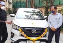 Amitabh Bachchan Toyota Innova Crysta 1