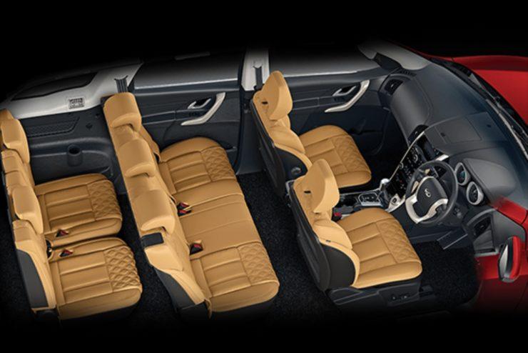 Mahindra XUV500 seating configuration