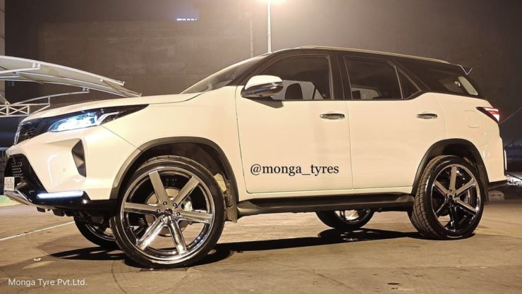 Toyota Fortuner Legender 24 inch alloy wheels 3