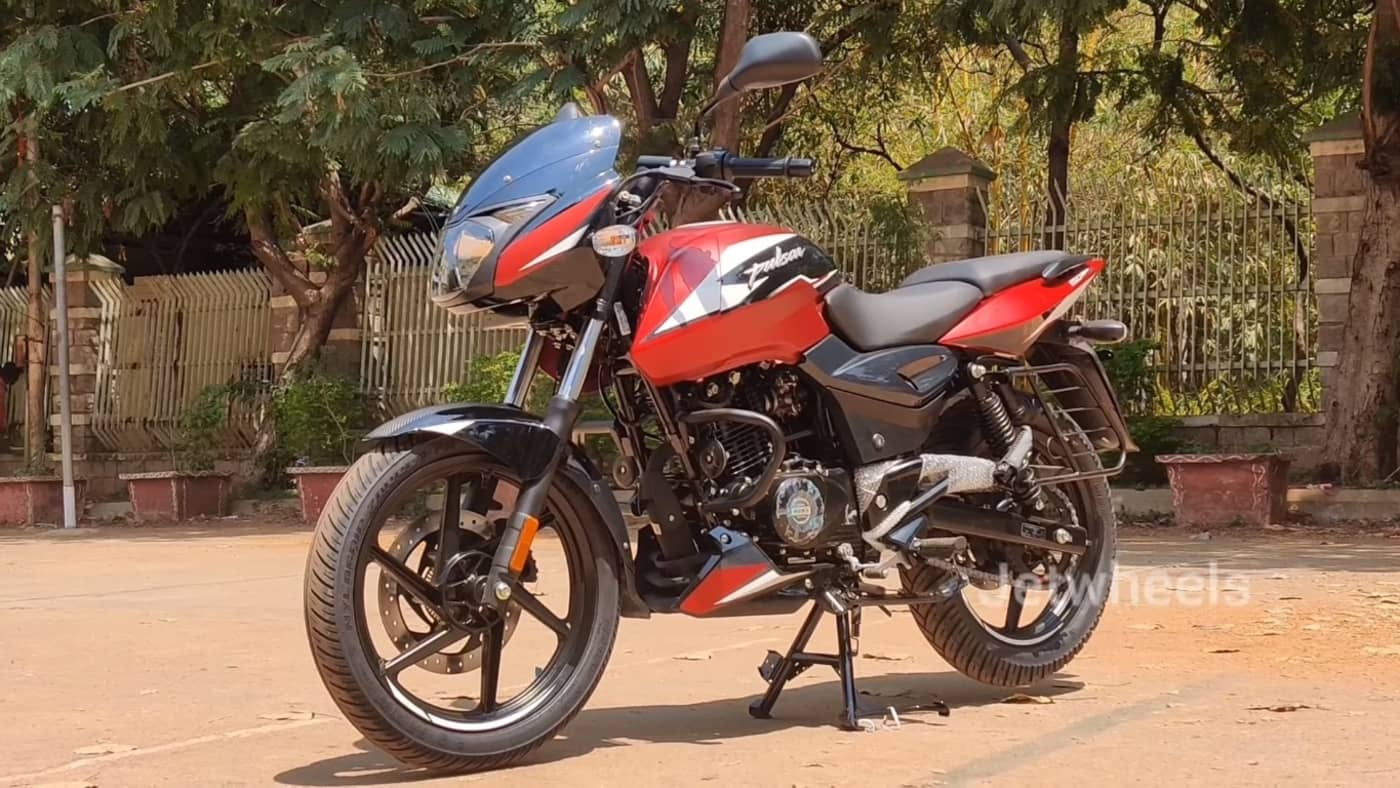 2021 Bajaj Pulsar 150 Twin Disc Matt Red front angle