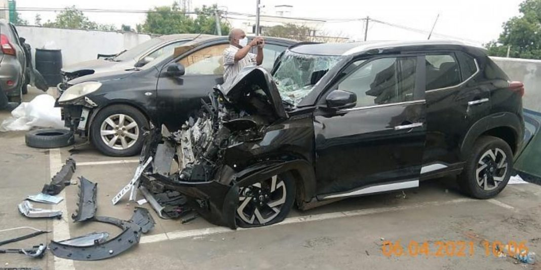Nissan Magnite Accident 4