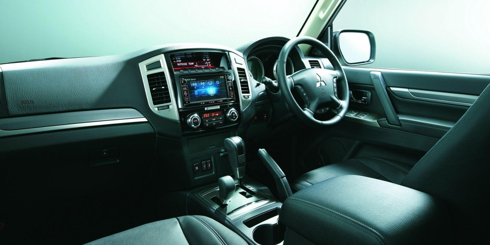 Mitsubishi pajero final edition 1