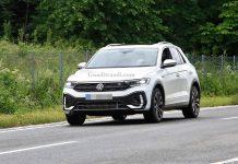 2022 Volkswagen T-Roc facelift spied 1